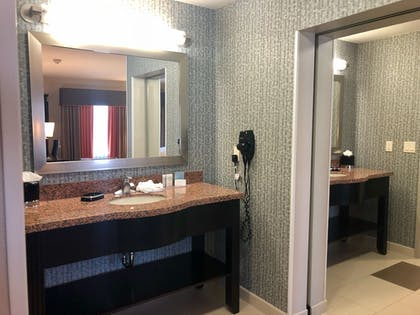 Bathroom | Hampton Inn & Suites Tulsa Central