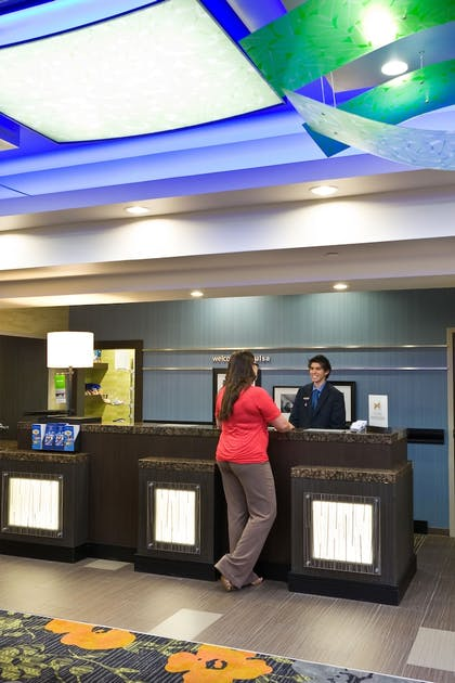 Lobby | Hampton Inn & Suites Tulsa Central