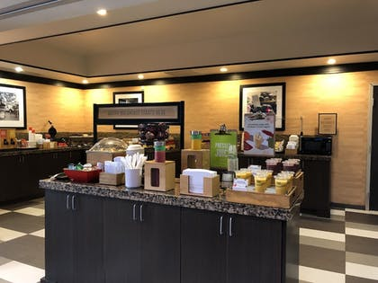 Breakfast buffet | Hampton Inn & Suites Tulsa Central
