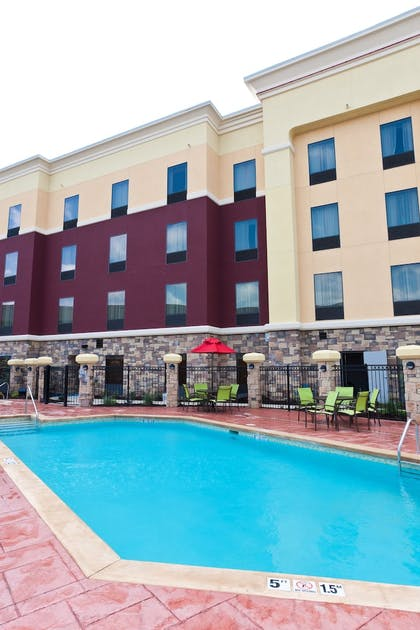 Sundeck | Hampton Inn & Suites Tulsa Central