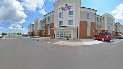 Hotel Entrance | Candlewood Suites Chambersburg