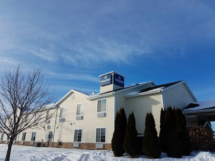 Featured Image | Boarders Inn & Suites by Cobblestone Hotels - Oshkosh