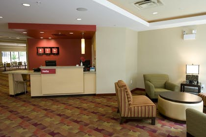 Lobby | TownePlace Suites Williamsport
