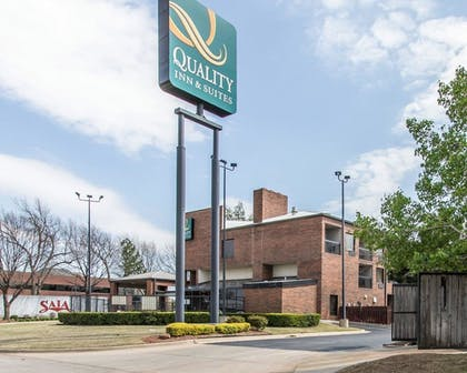 Exterior | Quality Inn & Suites Fairgrounds West