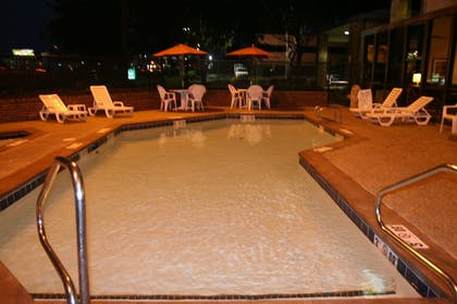 Outdoor Pool | Quality Inn & Suites Fairgrounds West