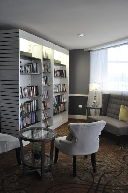 Library | The Inn at Market Square