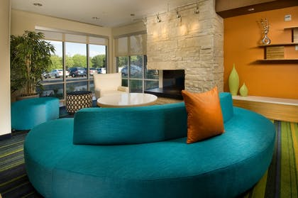 Lobby Sitting Area | Fairfield Inn & Suites Baltimore BWI Airport
