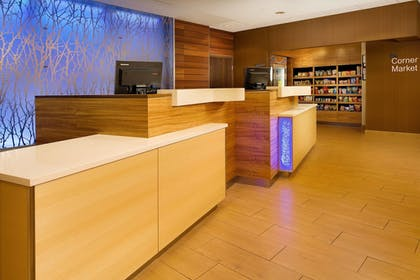 Lobby | Fairfield Inn & Suites Baltimore BWI Airport