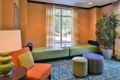 Lobby Sitting Area | Fairfield by Marriott Inn & Suites Tacoma Puyallup