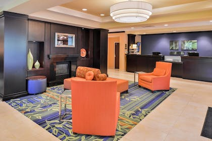 Lobby | Fairfield by Marriott Inn & Suites Tacoma Puyallup