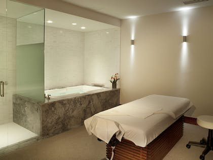 Treatment Room | Solaris Residences