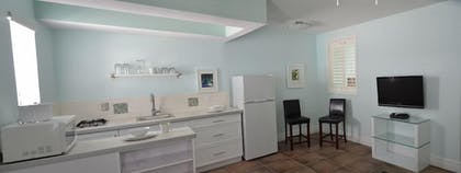 In-Room Kitchenette | Hollywood Beachside Boutique Suites