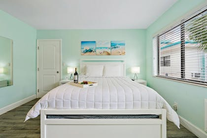 Room | Hollywood Beachside Boutique Suites