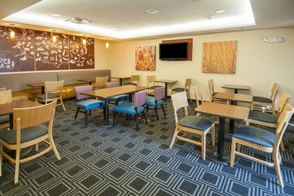 Restaurant | TownePlace Suites by Marriott Baton Rouge Gonzales