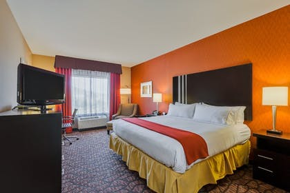 Room | Holiday Inn Express & Suites Alpine Southeast