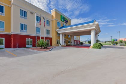Exterior | Holiday Inn Express & Suites Alpine Southeast