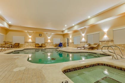 Pool | Holiday Inn Express & Suites Alpine Southeast