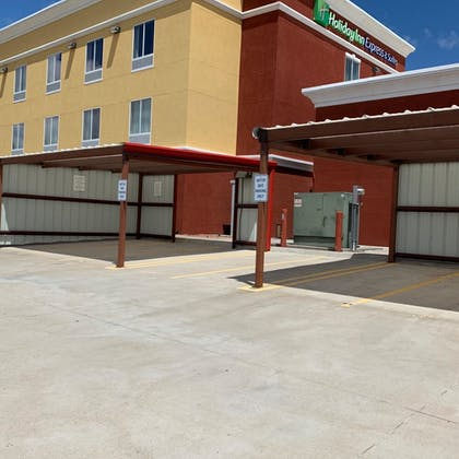 Hotel Interior | Holiday Inn Express & Suites Alpine Southeast
