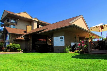 Hotel Front | Arbors at Island Landing Hotel & Suites