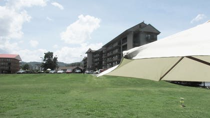 Property Grounds | Arbors at Island Landing Hotel & Suites