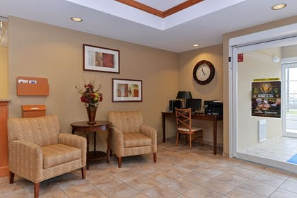 Lobby   Candlewood Suites Elmira Horseheads