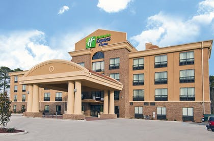 Exterior   Holiday Inn Express & Suites Jackson / Pearl Intl Airport