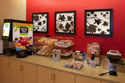 Breakfast buffet | TownePlace Suites Nashville Airport