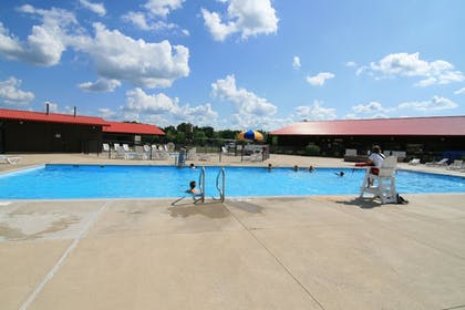 Outdoor Pool | Indiana Beach Accommodations