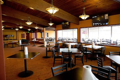 Restaurant | Indiana Beach Accommodations