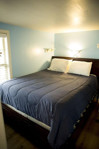 Guestroom | Indiana Beach Accommodations