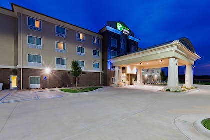 Featured Image | Holiday Inn Express Salinas