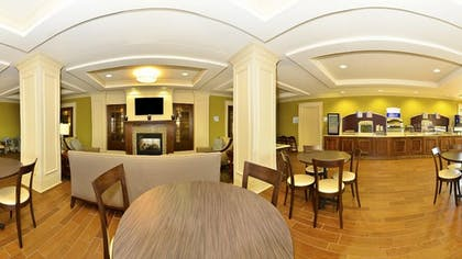 Breakfast Area | Holiday Inn Express and Suites Williston