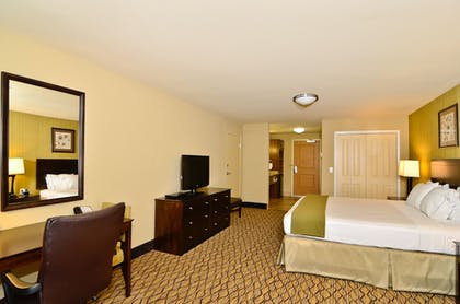 Guestroom | Holiday Inn Express and Suites Williston
