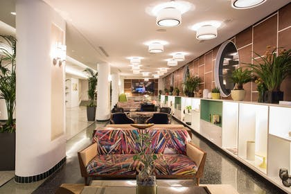 Hotel Bar | Royal Palm South Beach Miami, a Tribute Portfolio Resort