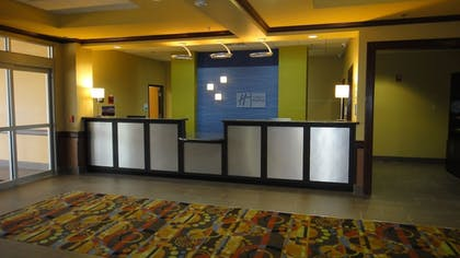 Lobby | Holiday Inn Express and Suites George West
