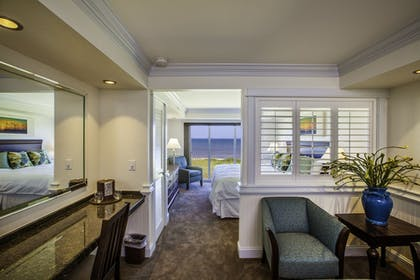 Guestroom | Shutters on the Banks