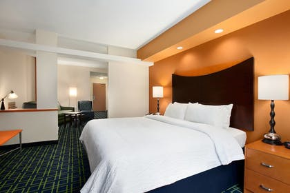 Guestroom | Fairfield Inn & Suites Marietta