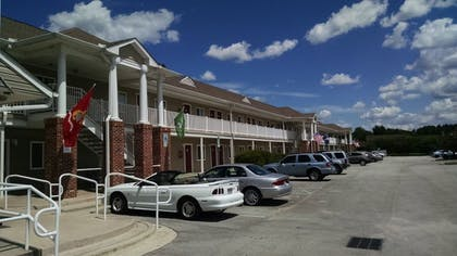 Hotel Front | Affordable Suites of America