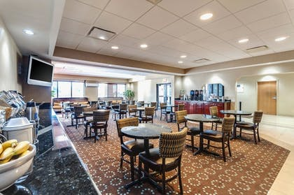 Breakfast Area | Comfort Inn & Suites Edgewood - Aberdeen