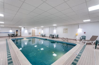 Pool | Comfort Inn & Suites Edgewood - Aberdeen