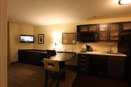 Guestroom | Candlewood Suites St Joseph