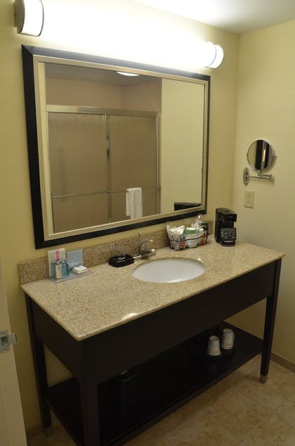 Bathroom | Hampton Inn & Suites Sharon, PA