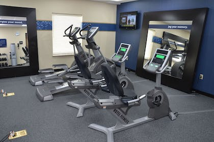 Fitness Facility | Hampton Inn & Suites Sharon, PA