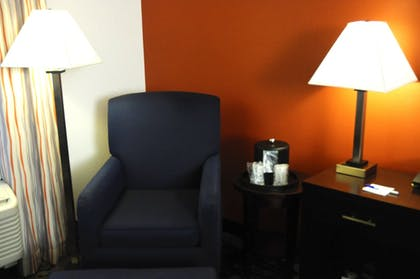 Guestroom | Holiday Inn Express & Suites Greenfield