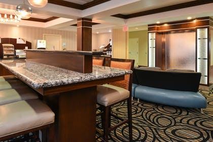 Restaurant | Holiday Inn Express & Suites Greenfield