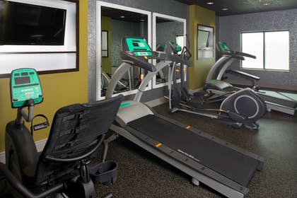 Fitness Facility | Holiday Inn Express and Suites Kansas City Airport