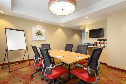 Meeting Facility | TownePlace Suites by Marriott Denver Airport at Gateway Park
