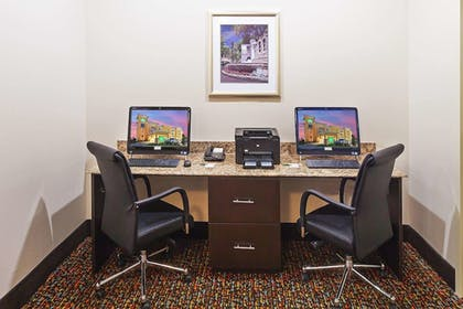 Business Center   La Quinta Inn & Suites by Wyndham Pearsall