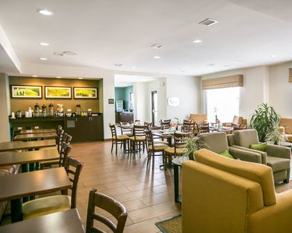 Breakfast Area | Sleep Inn & Suites Austin North I-35