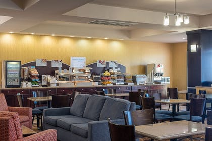 Restaurant | Holiday Inn Express & Suites Lafayette East